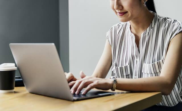 freelance çalışmak serbest çalışmak laptop teknoloji
