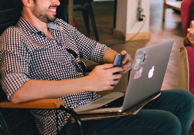 müşteri bulma laptop dijital
