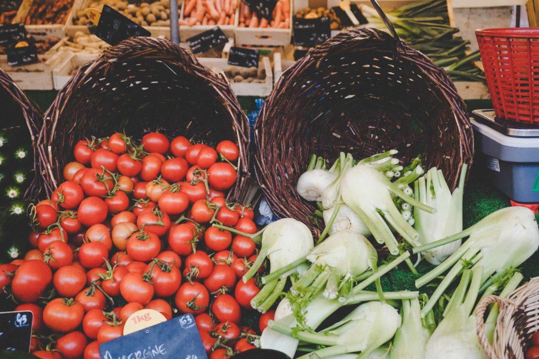 pazarlama araştırması alışveriş yerel pazar domates rezene