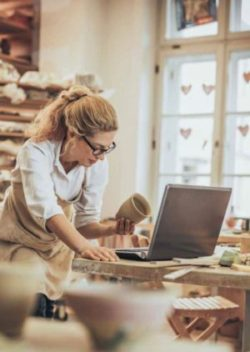 web sitesi nasıl kurulur e-ticaret ipuçları laptop
