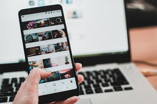yeni yıl kararları laptop cep telefonu sosyal medya